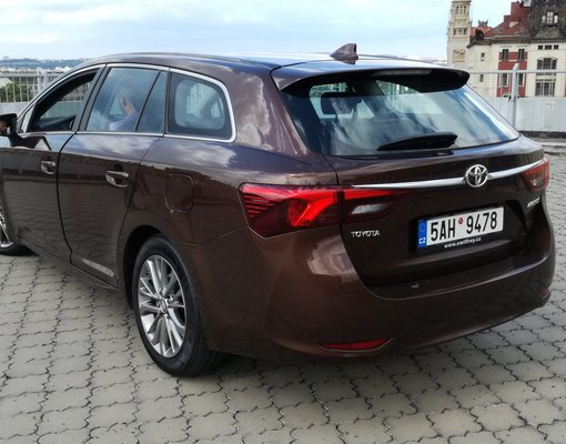 Toyota Avensis, Automatic for rent in  Prague