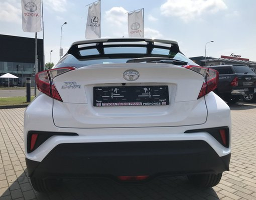 Toyota C-HR, Automatic for rent in  Prague