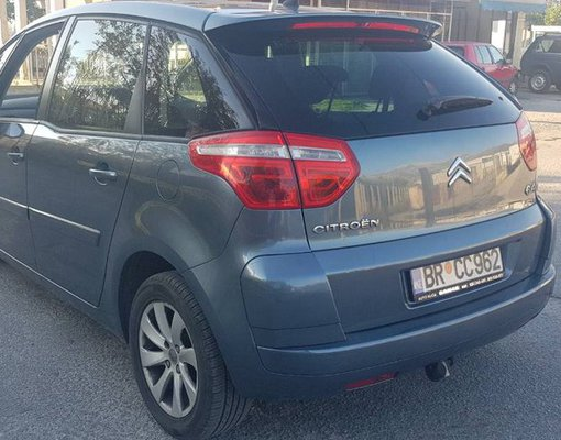 Citroen Picasso, Diesel car hire in Montenegro