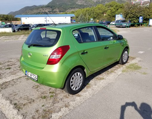 Hyundai i20, Automatic for rent in  Tivat