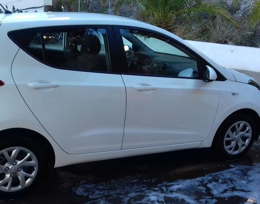 Cheap Hyundai i 10, 1.0 litres for rent in Crete, Greece
