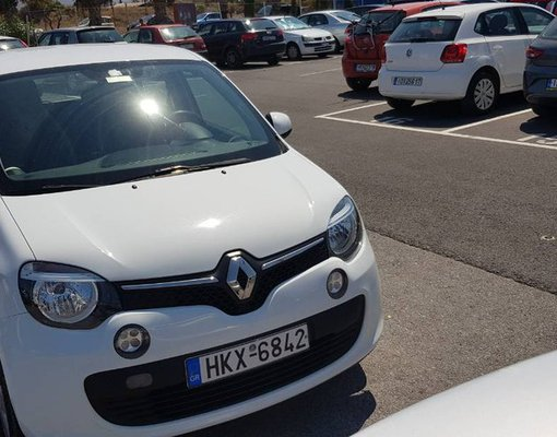 Renault Twingo, Petrol car hire in Greece