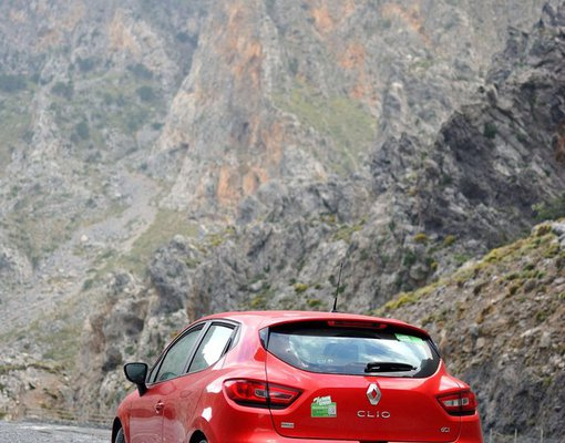 Cheap Renault Clio Automatic, 1.5 litres for rent in Crete, Greece