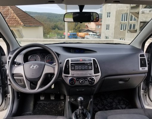 Hyundai i20, Manual for rent in  Tivat