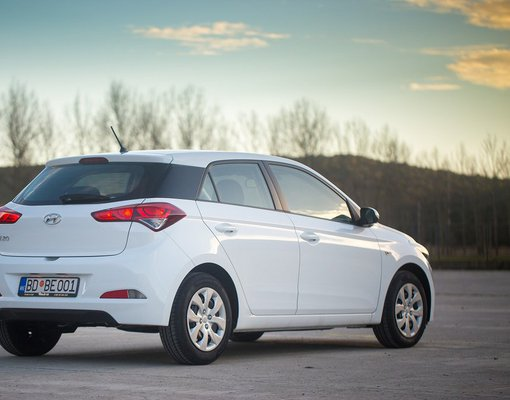 Hyundai i20, Manual for rent in  Budva