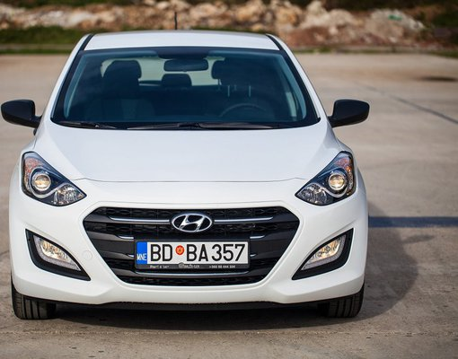 Hyundai i30, Automatic for rent in  Budva