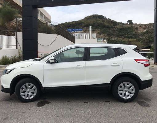 Nissan Qashqai, Automatic for rent in  Rafailovici