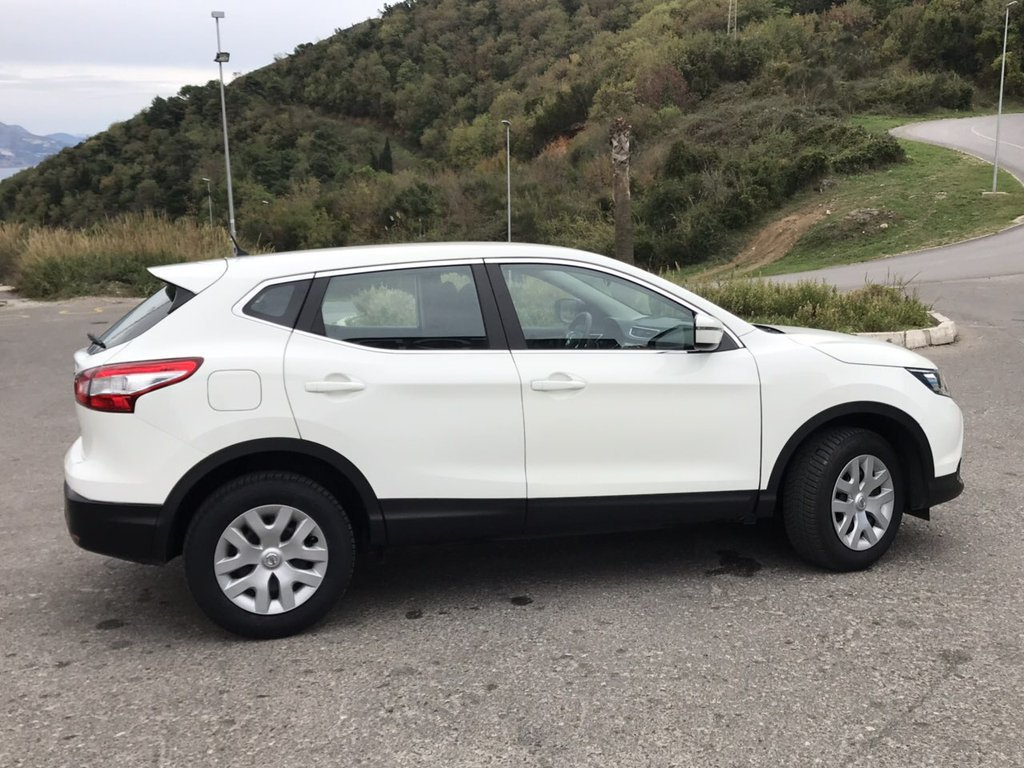 Car Rental Nissan Qashqai In Montenegro 1198 Automatic Diesel 2016 Localcarhires Com