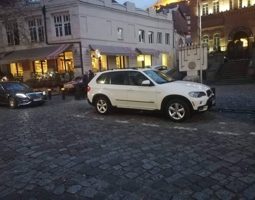 BMW X5, Petrol car hire in Georgia