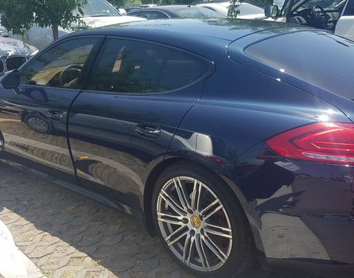 Porsche Panamera, Automatic for rent in  Bar