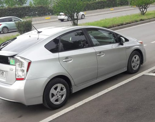 Toyota Prius, Petrol car hire in Georgia