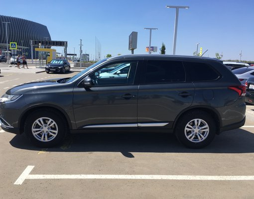 Rent a Mitsubishi Outlander in Simferopol Airport (SIP) Crimea