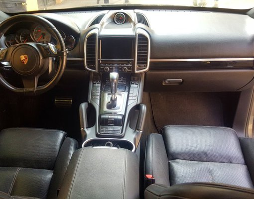 Porsche Cayenne Hybride, Automatic for rent in  Tbilisi