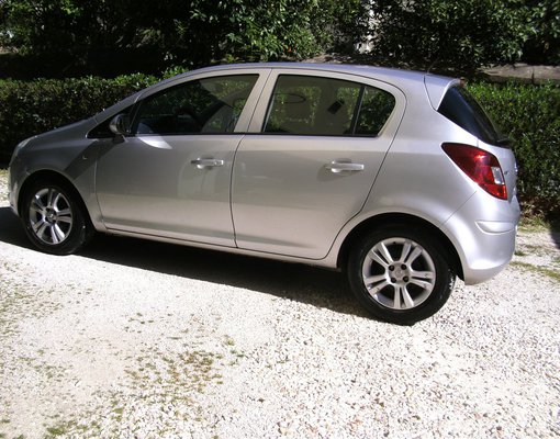 Rent a Opel Corsa in Kalamata Greece